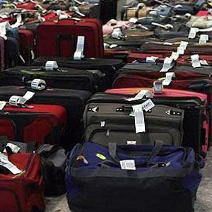 We move Suitcases and boxes worldwide, choose our excess baggage quote..